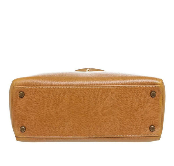 hermes kelly 28 gold used bottom