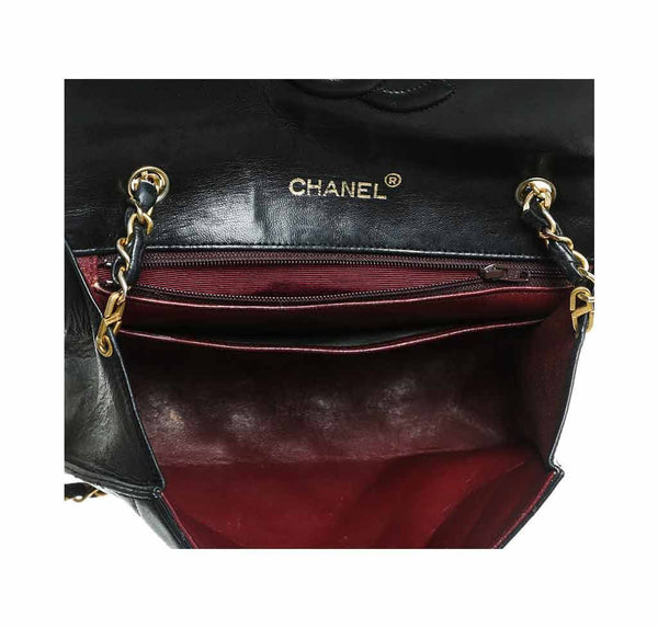 chanel flap shoulder bag black used detail