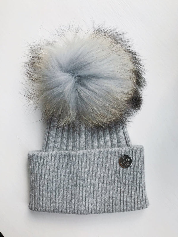 Cashmere single - Light grey with matching pom