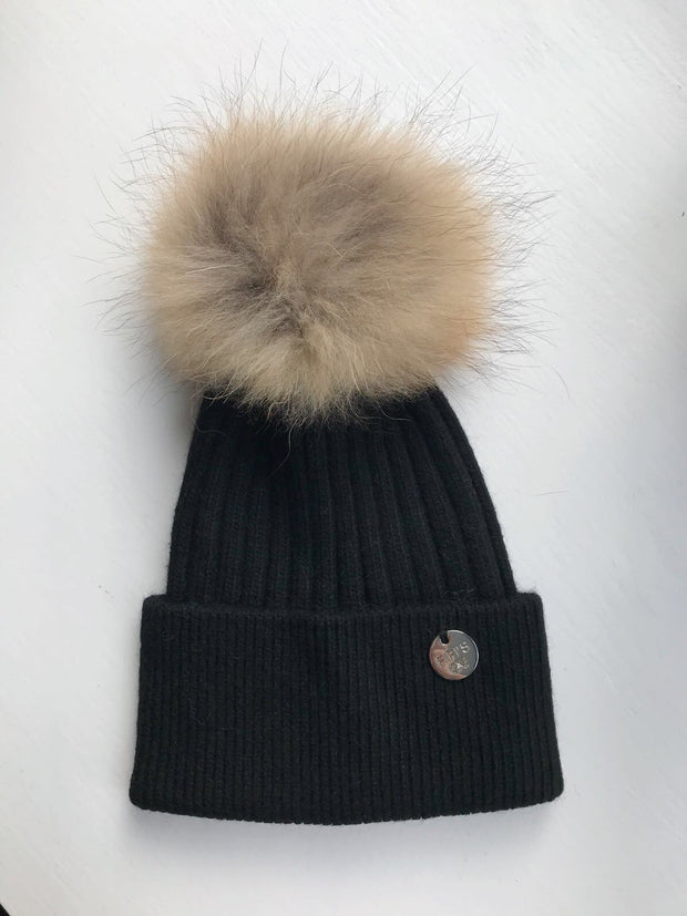 Cashmere single - Black with Natural pom