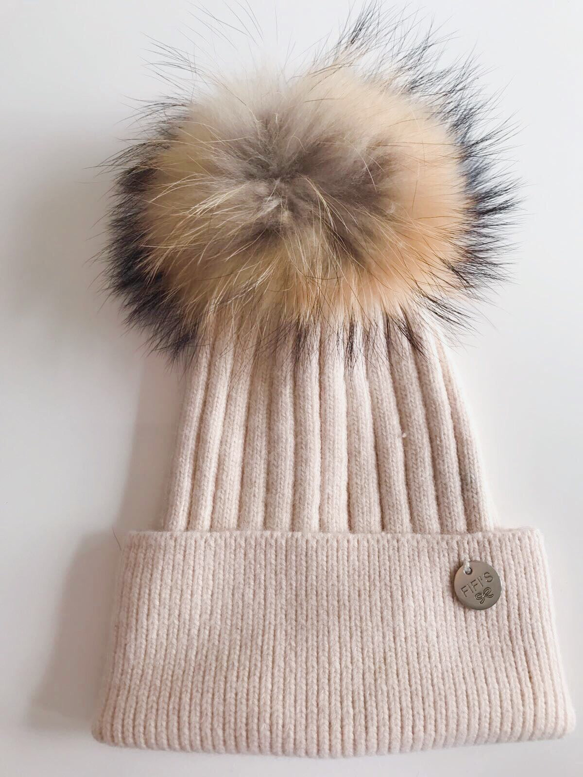 Cashmere single - Beige with natural pom