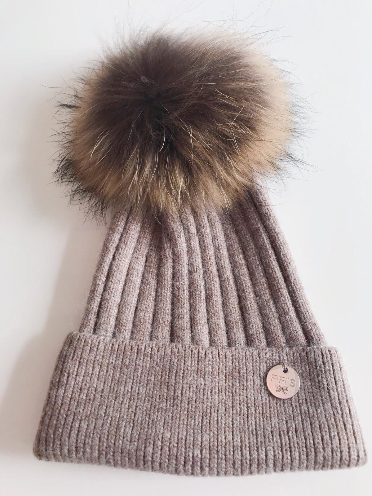 Cashmere single - Brown with natual pom