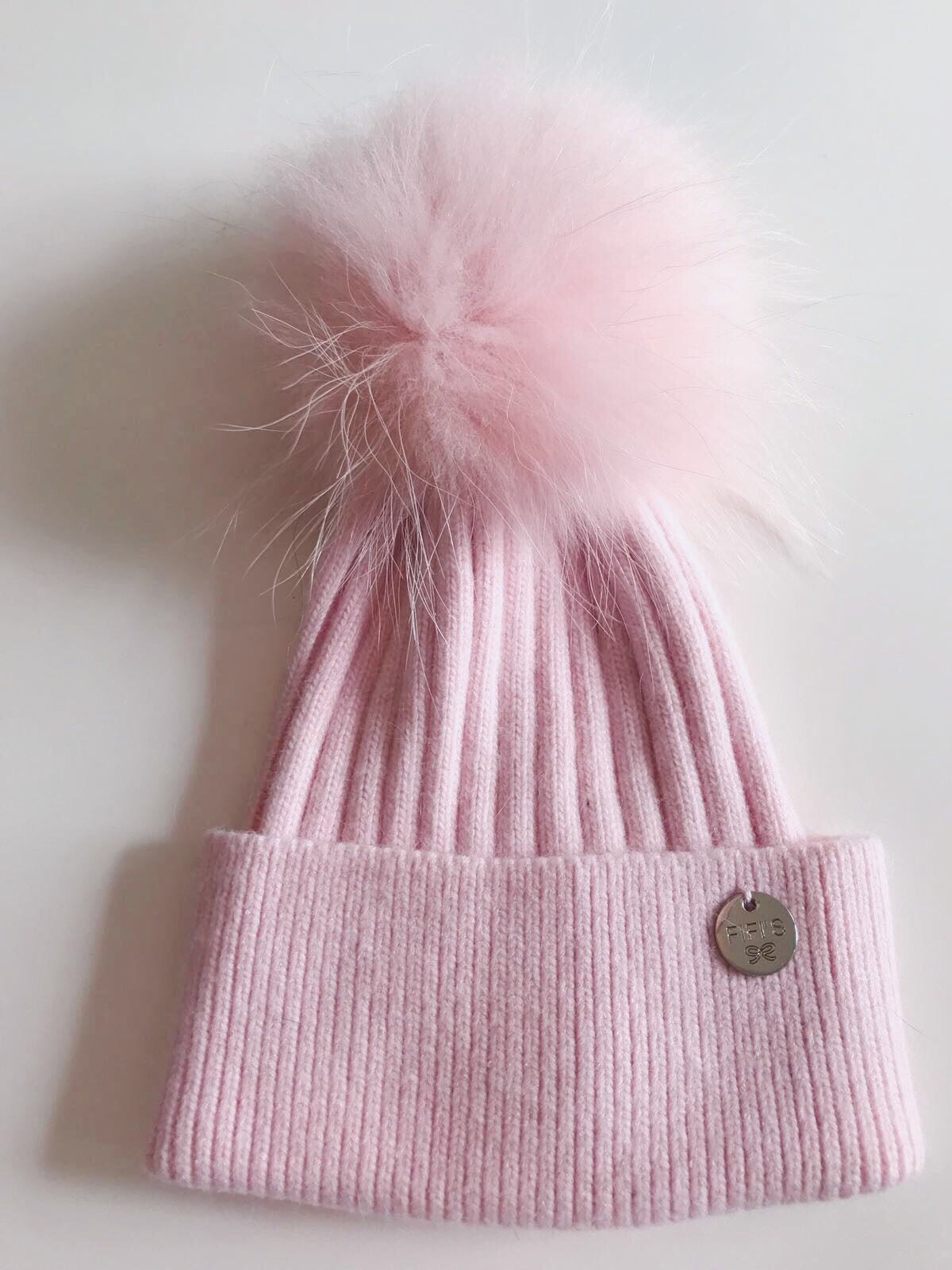 Cashmere single - Baby pink with matching pom