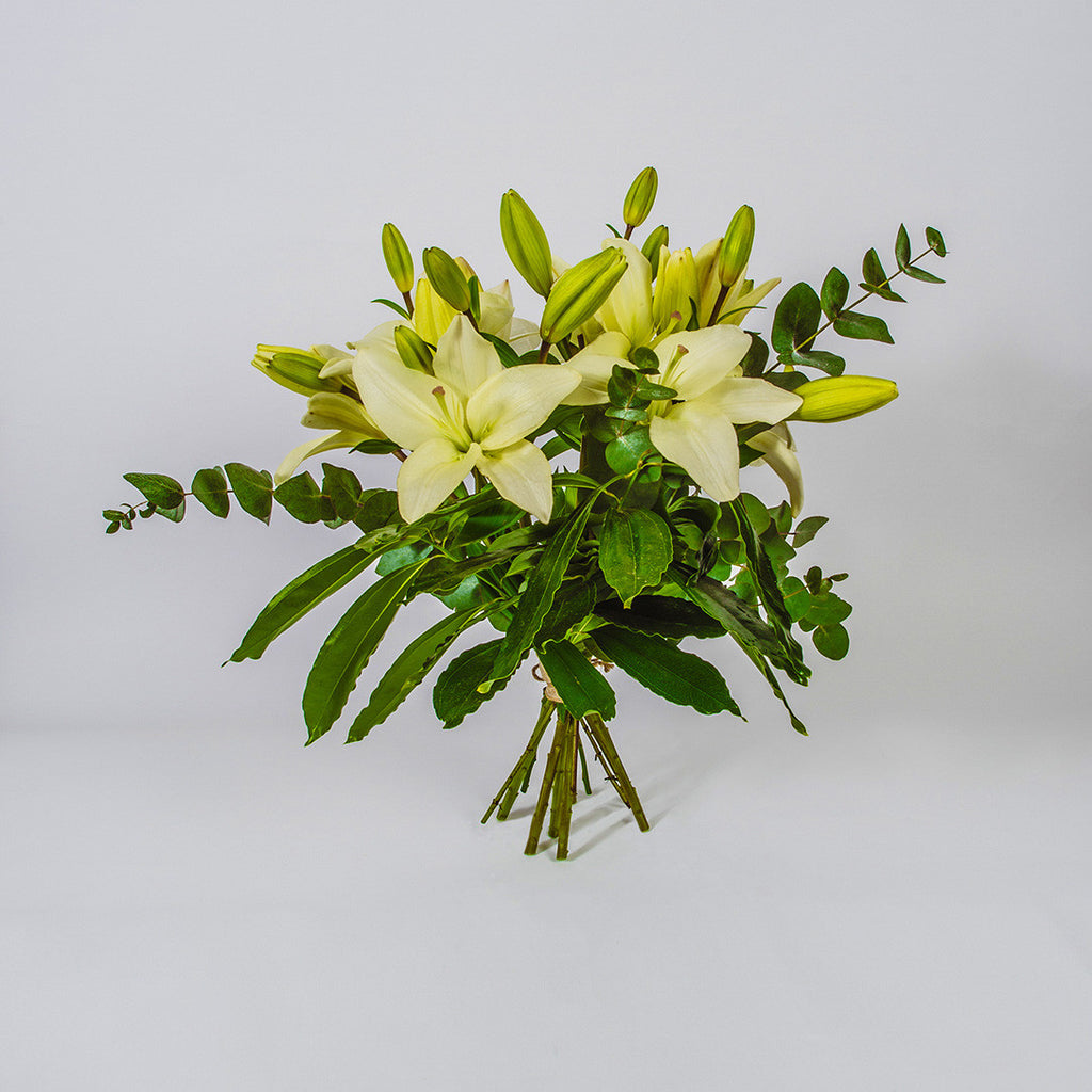 Lilly Hessian Hand-tied Bouquet - XOXO Florist Aberdeen