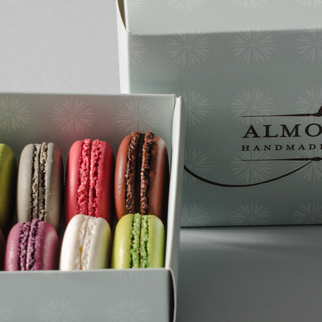 14 Macarons in Mixed Box