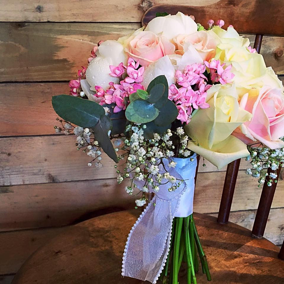 Wedding Flowers Aberdeen: The Sweet Touch Bridal Hand-tied