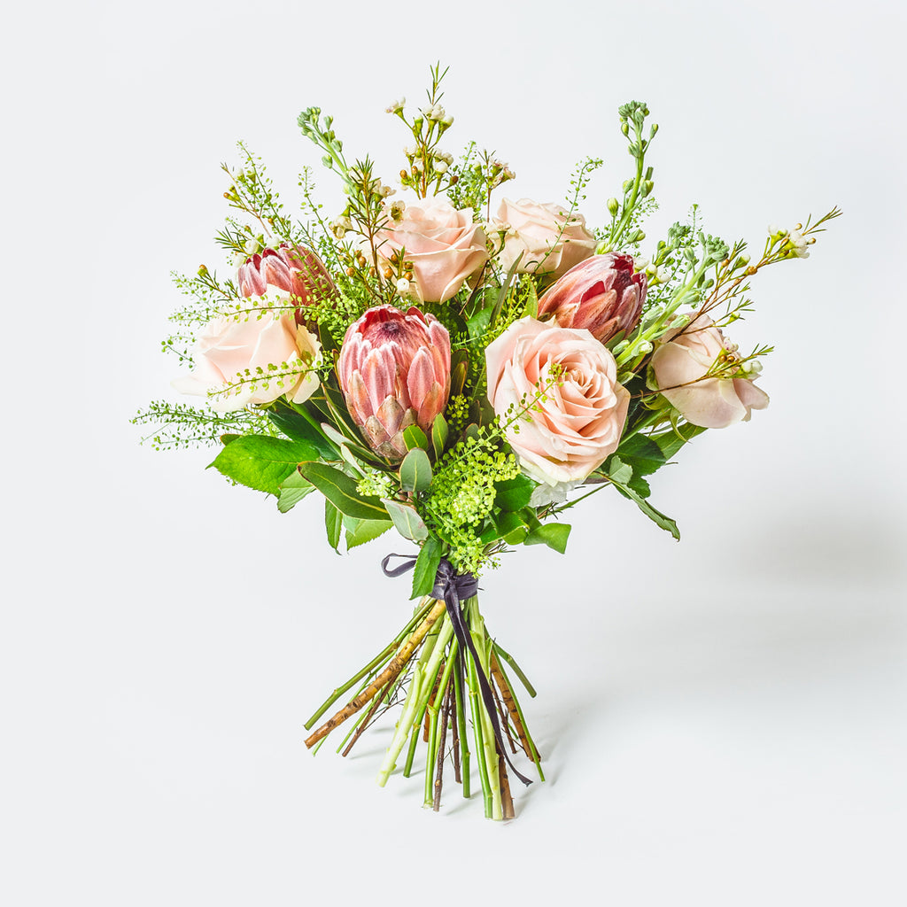 The REGENCY Bouquet | XOXO Florist Aberdeen, Scotland