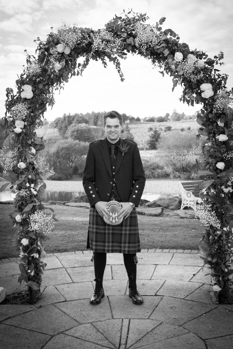 XOXO Wedding Florist Aberdeen | Wedding Arch