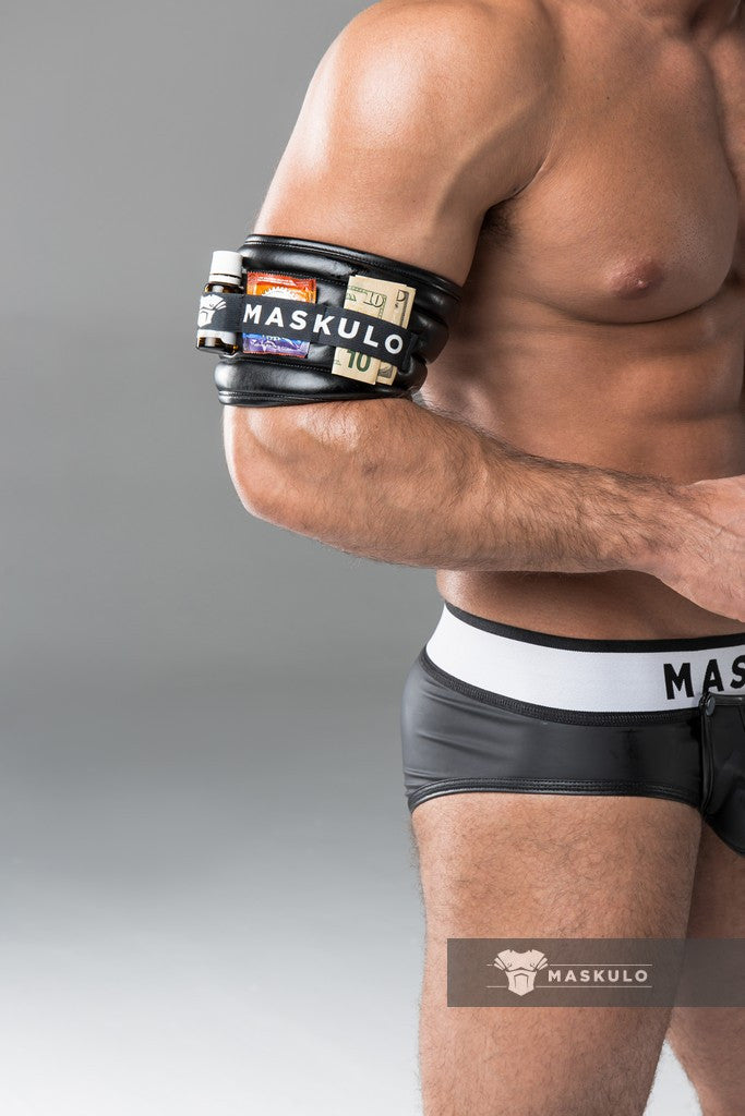 Armored. Maskulo Biceps Band