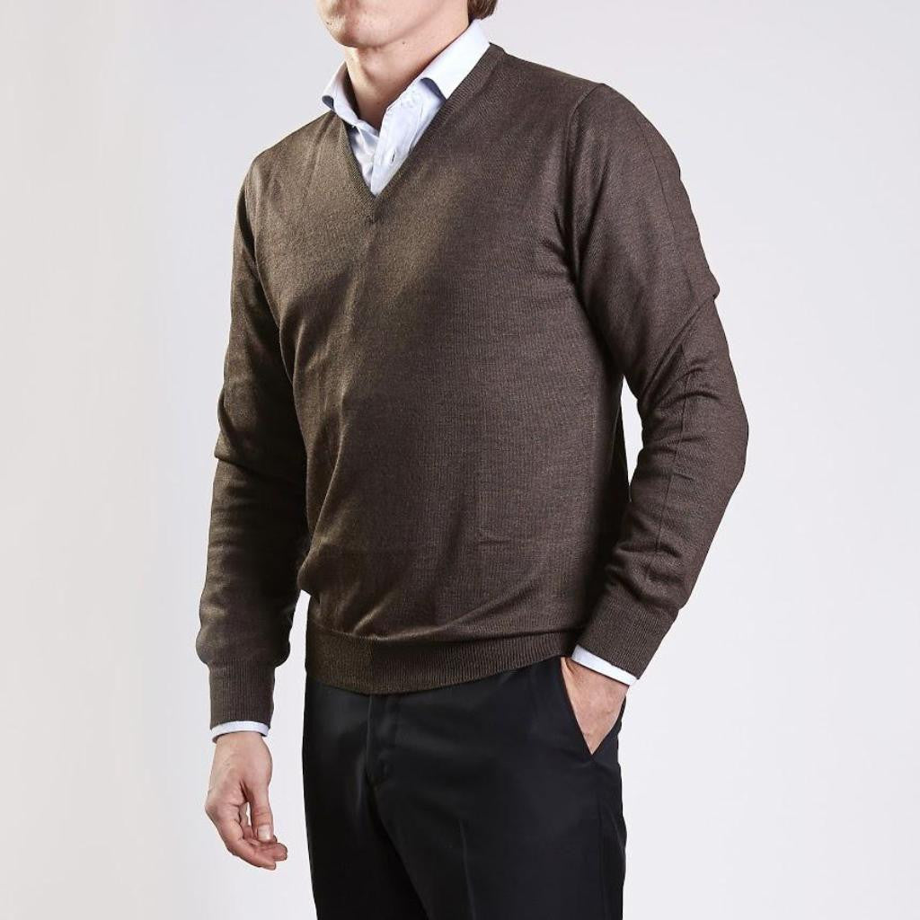 John Goodwin Black Label Knitwear: Merino V-Neck (Mink)