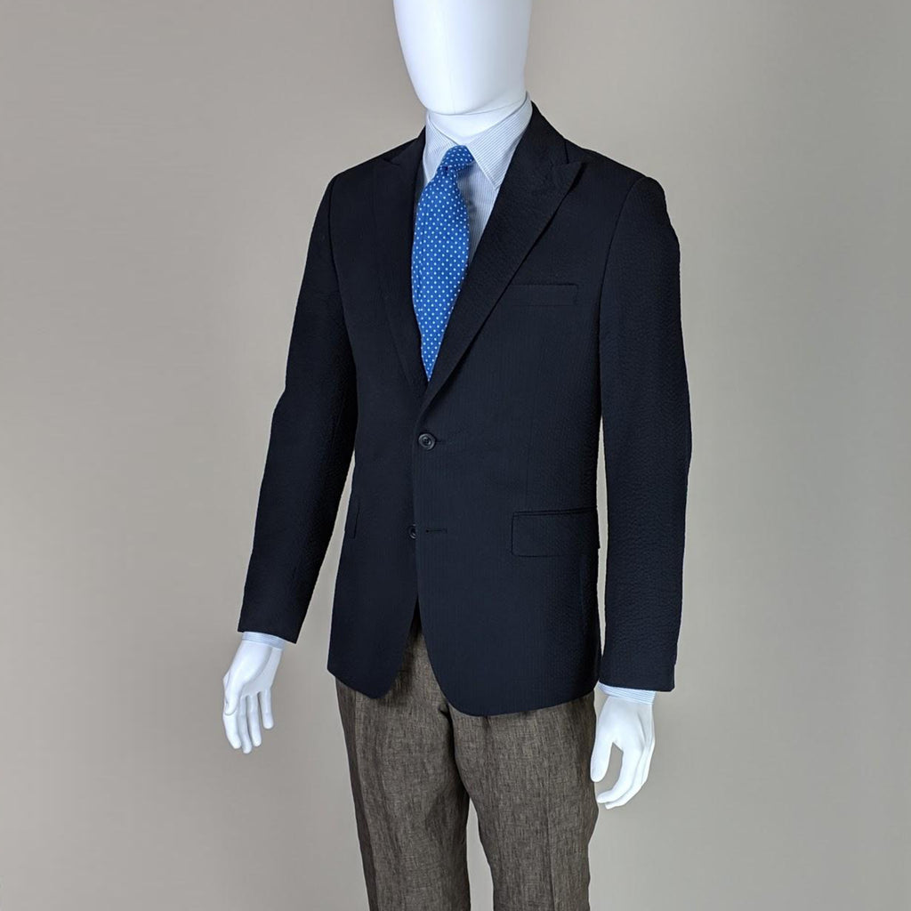 John Goodwin Look No. 19176 ISL | Seersucker Jacket, Linen Trousers, Striped Shirt and Dotted Tie