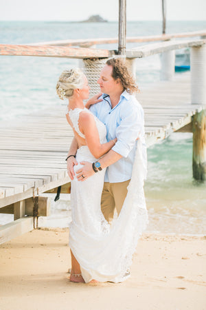 Real Wedding in Fiji: Skye and Luke in the Mololo Island Resort