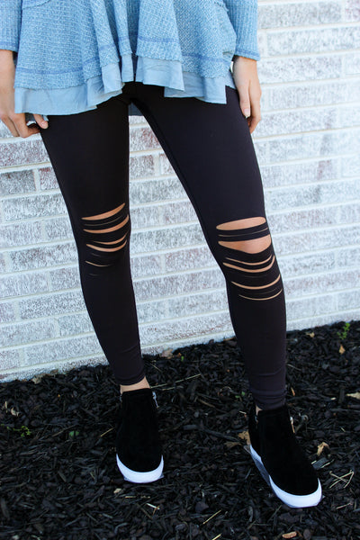 Run To Me Highwaist Shredded Knee Leggings