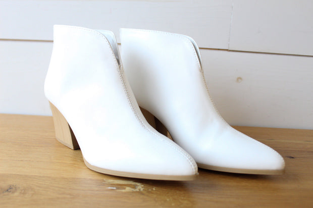 Nava Boot- White