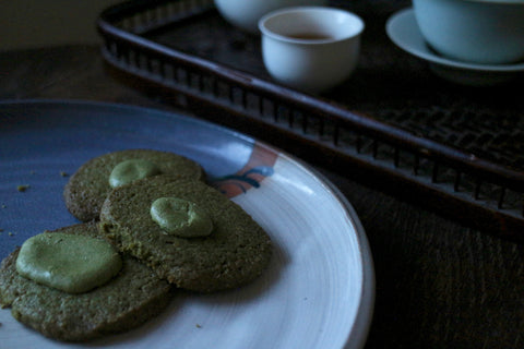 Green tea sablés with Fengqing Dian Hong in the background