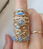 Mini Cove Labradorite Ring