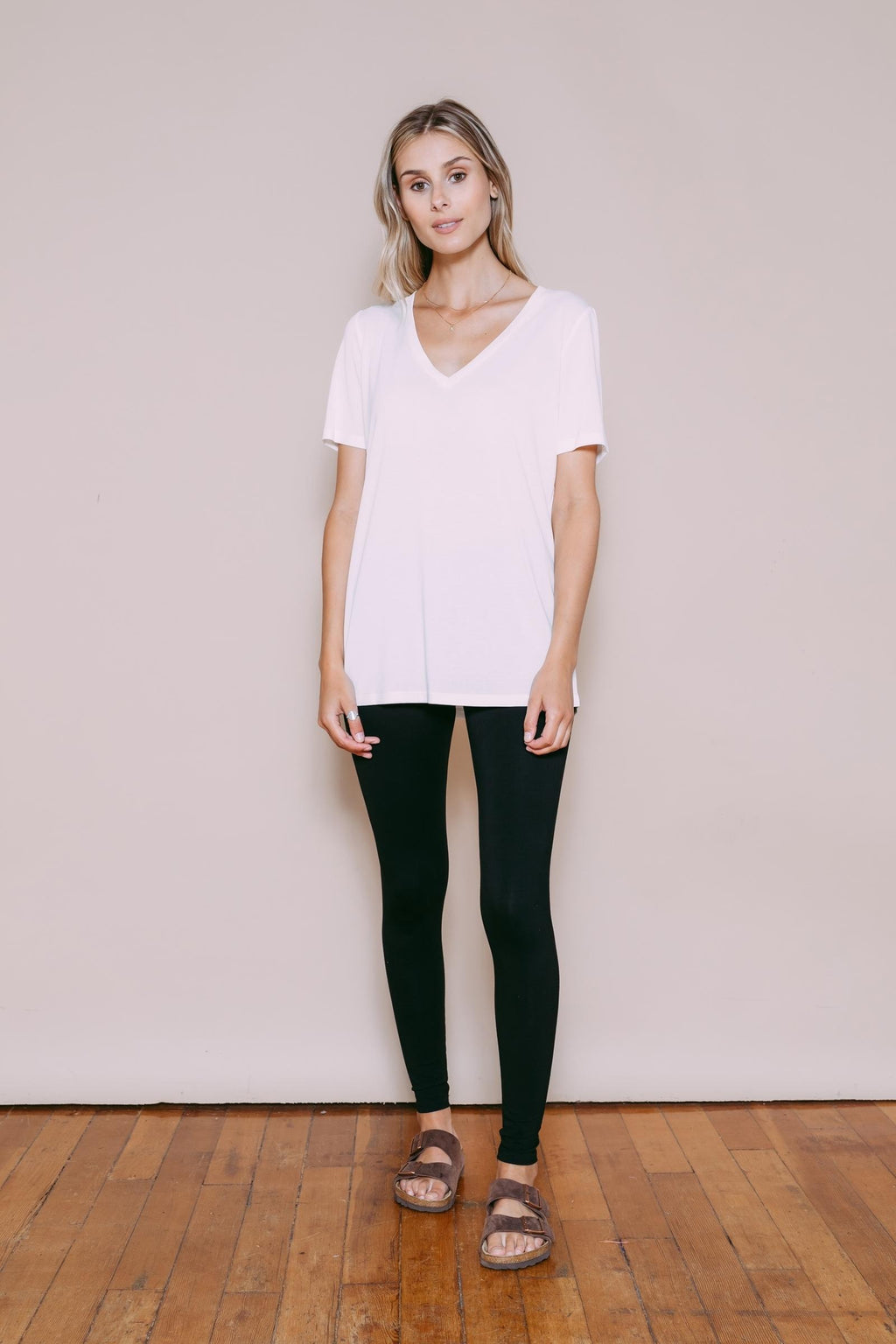 Josephine - Easy Fit V-Neck White