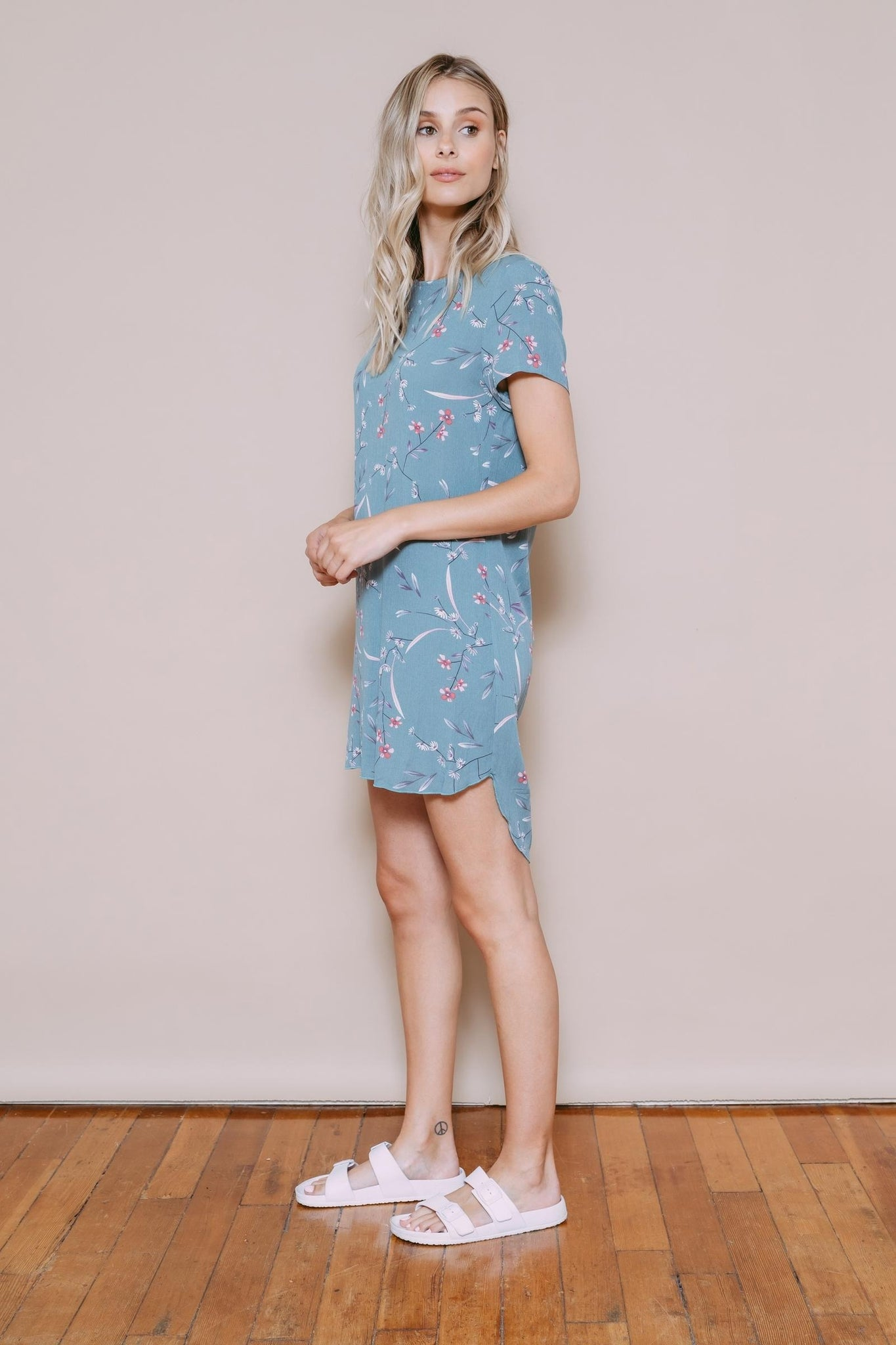 Shelly - Woven Tee Dress Sage Floral