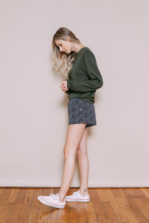 Lana - Easy Woven Short Black Mini Leaves