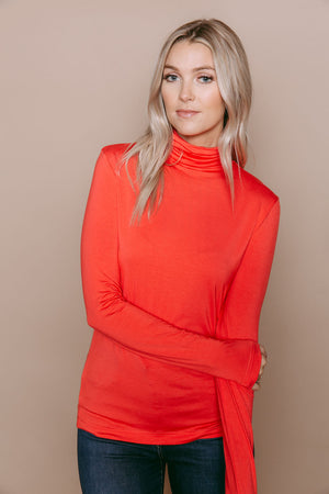 Camille - Turtleneck Red