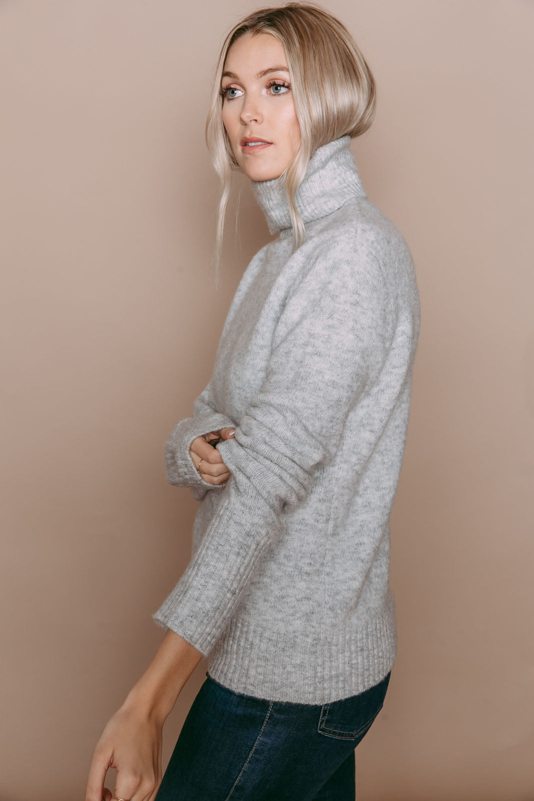 Amanda - Turtleneck Sweater Light Grey