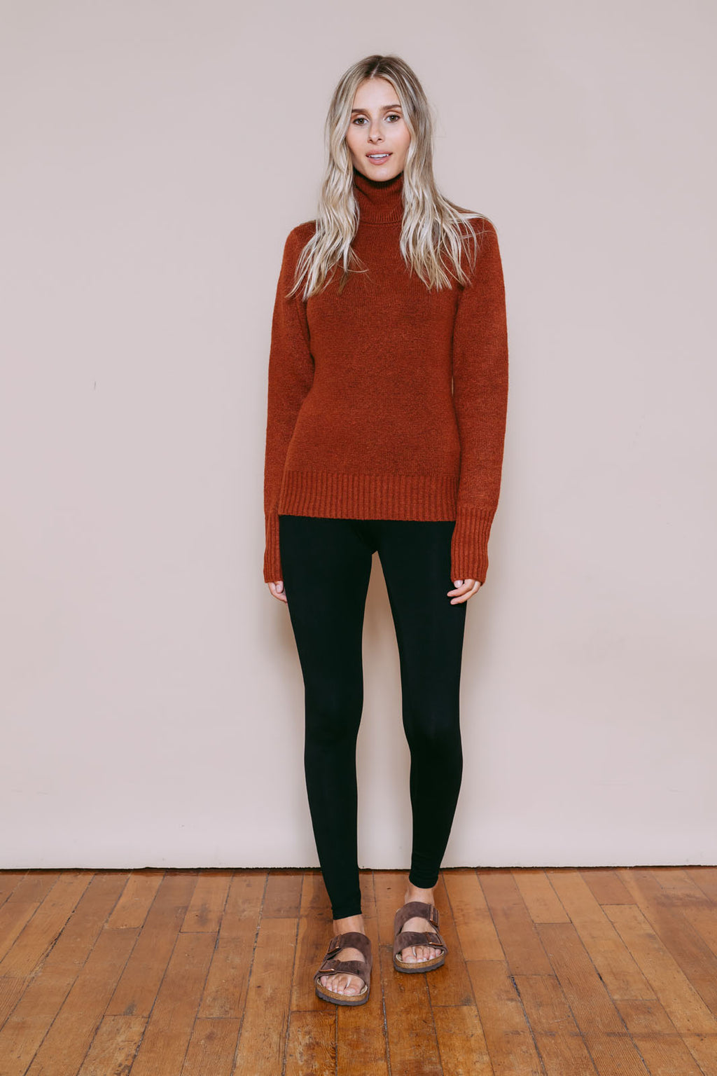 Amanda - Turtleneck Sweater Rust