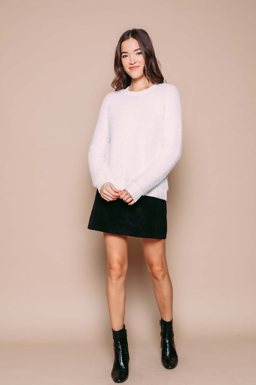 Arianna - Fuzzy Crew Neck Sweater White