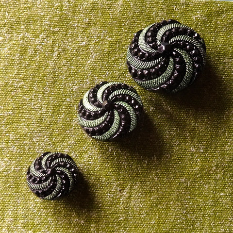 Green / Textured / Spiral Button