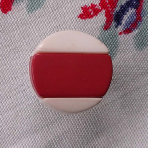 Button Red (White) / Flat / Shiny Button