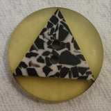 Button Yellow / Triangle / Matte