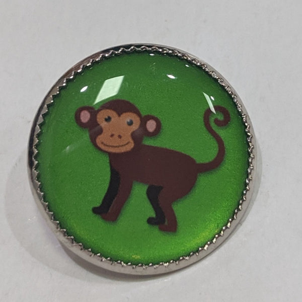 Monkey / Green background / Acrylic Dome