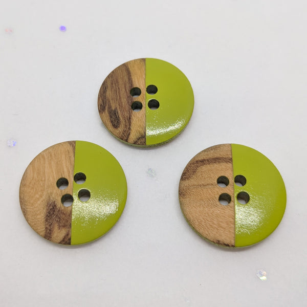 Wooden Buttons half Lime Green / 4 Hole