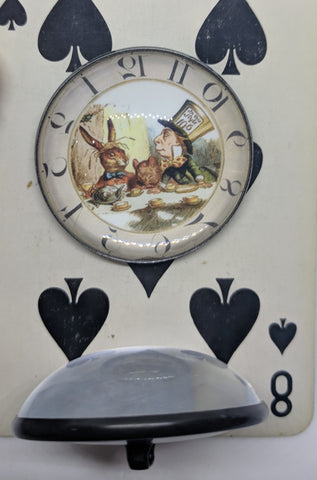 Alice In Wonderland / Mad Hatter / Acrylic Dome