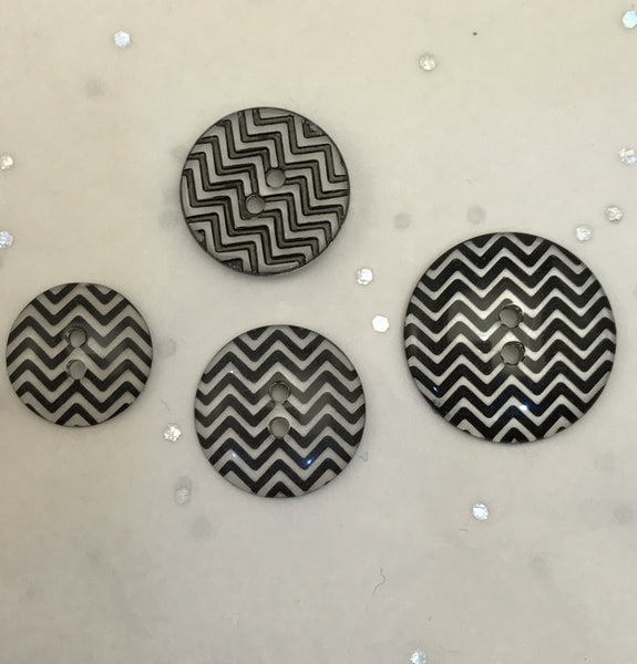 Black and clear / Zig Zag