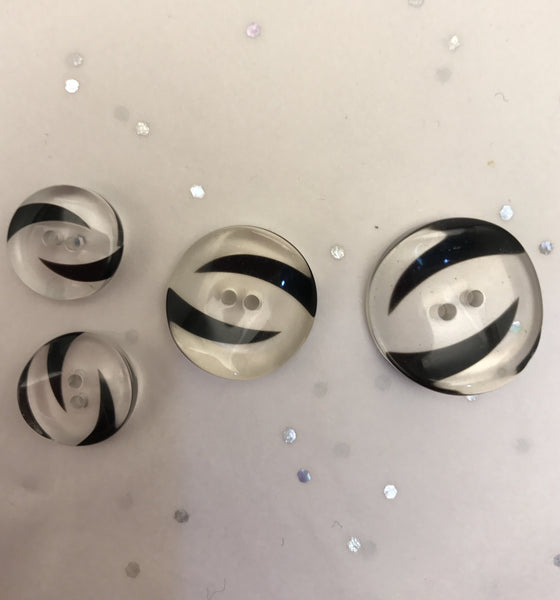 Black swirl and clear button / Curved / Shiny