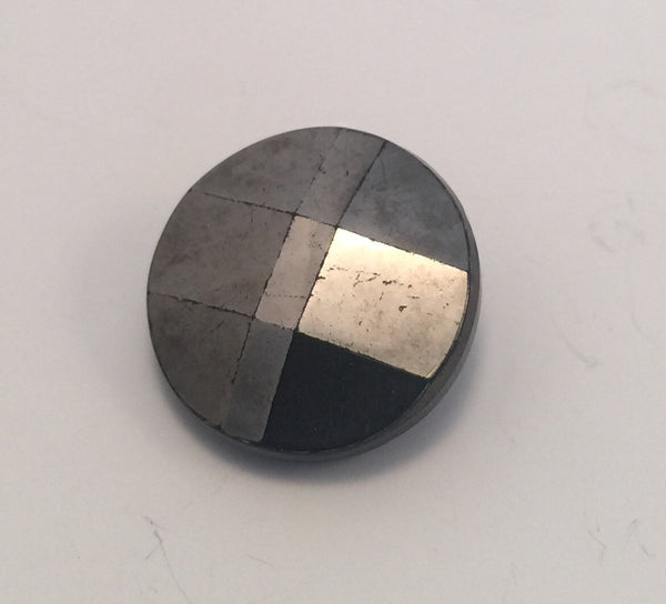 Gunmetal (Black) / Glass / Faceted / Shiny