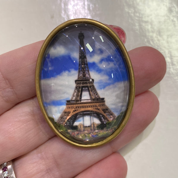 Oval Glass Domed / Eiffel Tower