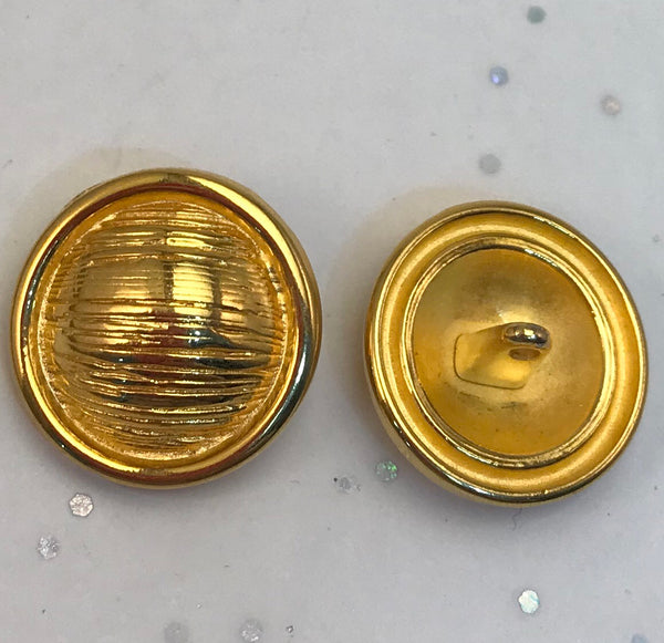 Gold / Textured Lined Dome / Metal / Shiny