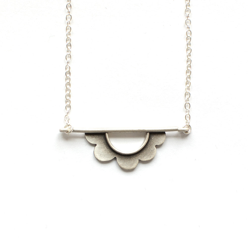 flower horizon necklace
