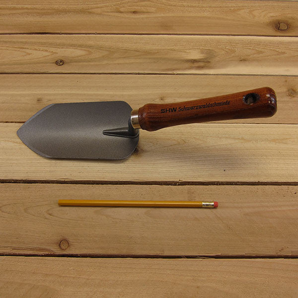 Garden Trowel by SHW - Size Comparison