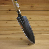 Japanese Garden Trowel - Working Angle