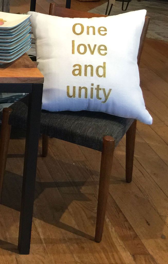 "Pillow ""One Love and Unity"" in Gold - Hymonline - 2"