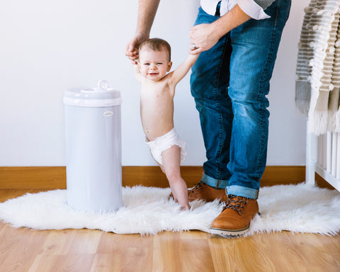 A diaper pail that doesn't absorb odors