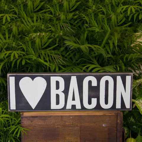"""I Heart Bacon"" Box Sign"