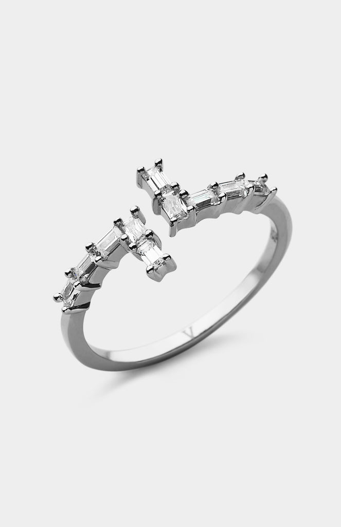 V JEWELLERY Silver Simplicity Asymmetry Ring - Pho. London