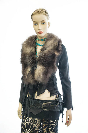 DEER LEATHER WITH CROSS FOX COLLAR FRINGE DETAILS