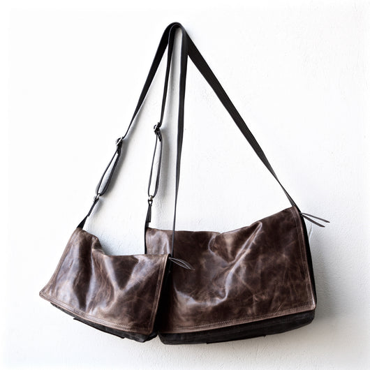 zip top messenger | all leather body | large