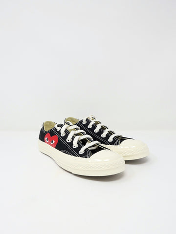 Comme des Garçons PLAY Converse, Low-Top, Black Single Heart