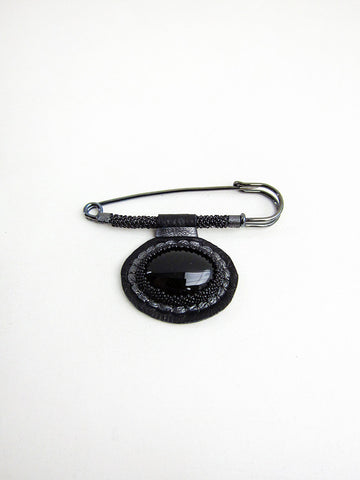 Robin Mollicone Chelsea Brooch, Black - Stand Up Comedy