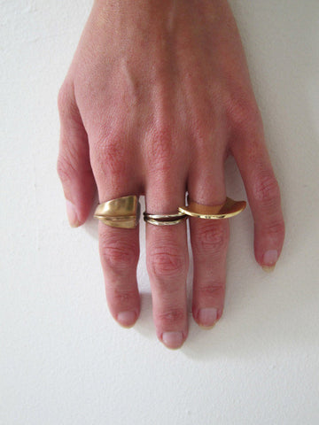 Samma Cutout Ring #8, Gold Bronze - Stand Up Comedy